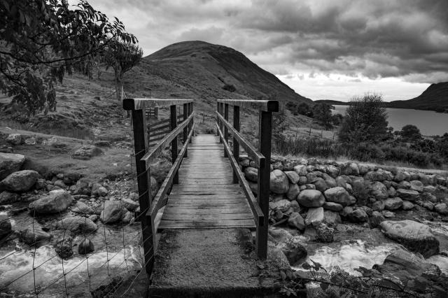 beautiful-landscape-with-bridge